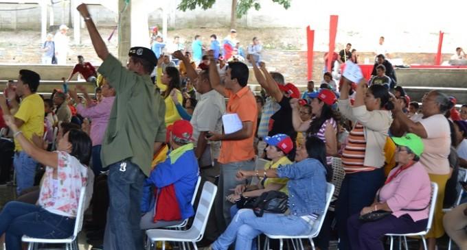 Venezuela: Poder popular propondrá asumir el control de las empresas públicas del país