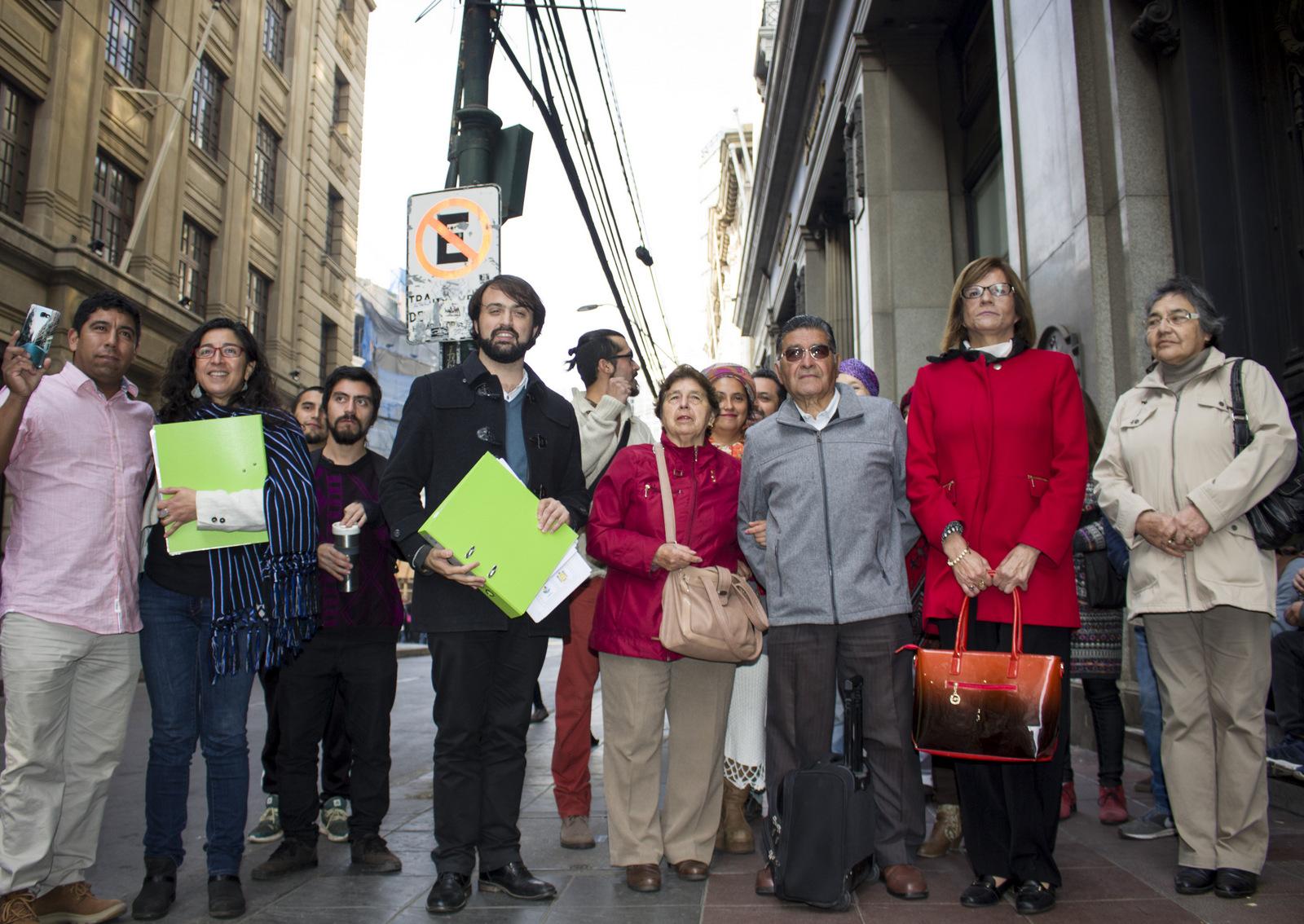 Valparaíso: Municipio y vecinos entregaron a la Seremi de Vivienda la modificación parcial del Plan Regulador Comunal
