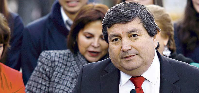 Jefe de gabinete de cuestionado alcalde de San Ramón cobraba $4 millones en su paso por La Moneda