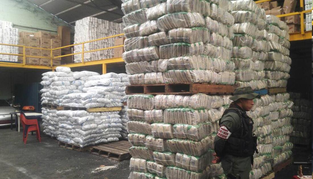 Autoridades venezolanas intensifican operativos para neutralizar guerra económica en la capital
