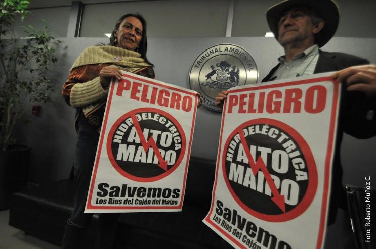 """Presentan reclamo ante Tribunal Ambiental por Alto Maipo: """"Ha usado tráfico de influencias y corrupción para obtener los permisos"""""""