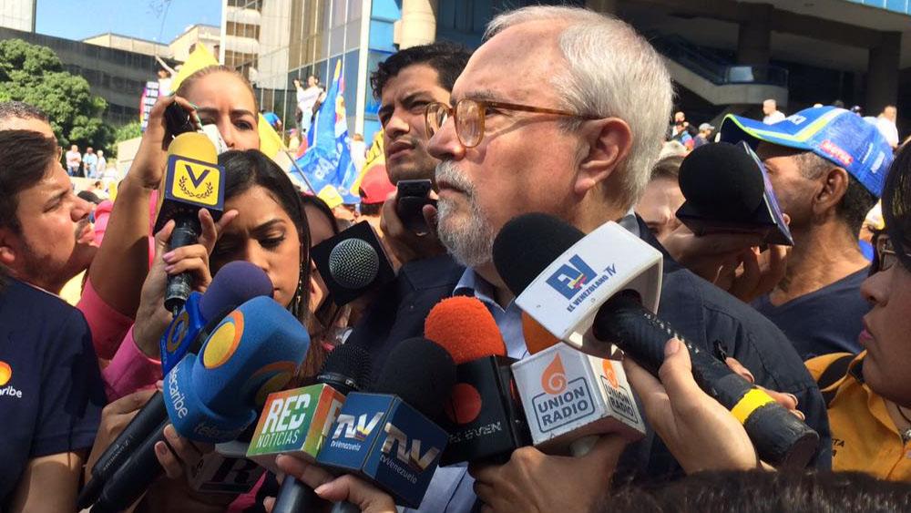 Opositora MUD vuelve a reestructurarse con Ramón Guillermo Aveledo a la cabeza