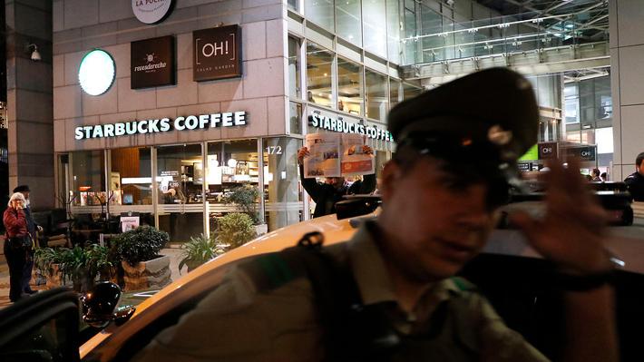 Estudiante desaparecida en Providencia es hallada muerta al interior de un Starbucks