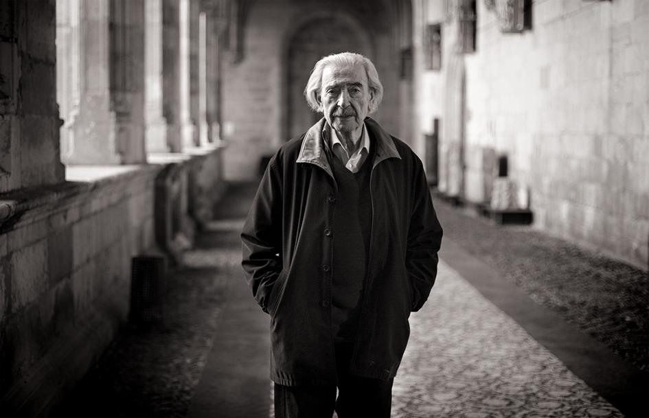 Juan Gelman estaría celebrando sus 88 años de edad