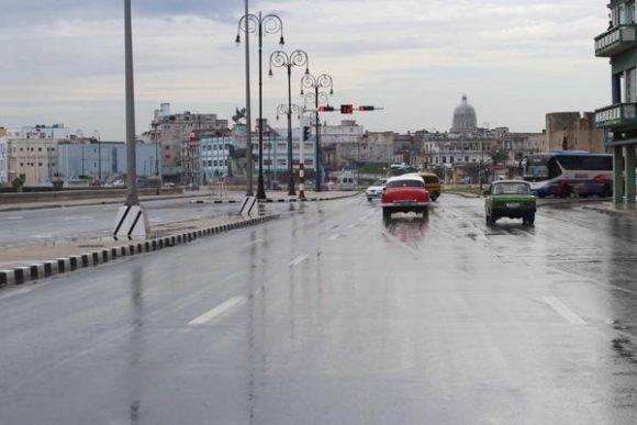 Fuertes lluvias causan mas de 100 derrumbes parciales en La Habana