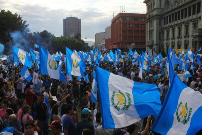 Guatemala retira su embajadora de Venezuela