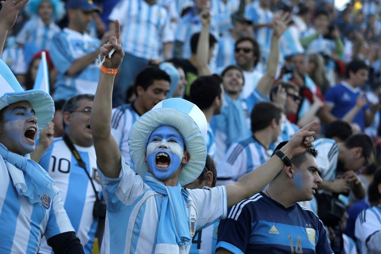 (VIDEO): «Es para Chile que lo mira por tv»: Hinchas argentinos se vuelven a acordar de «La Roja»
