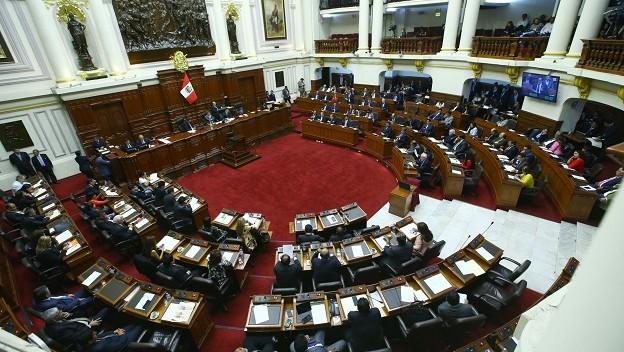 Congreso de Perú debate ley que prohíbe publicidad del Estado en medios privados