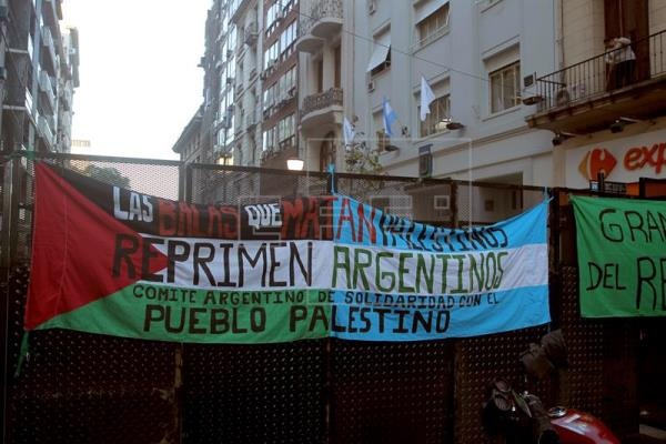 Protestan frente a la AFA para que Argentina cancele partido preparatorio con Israel