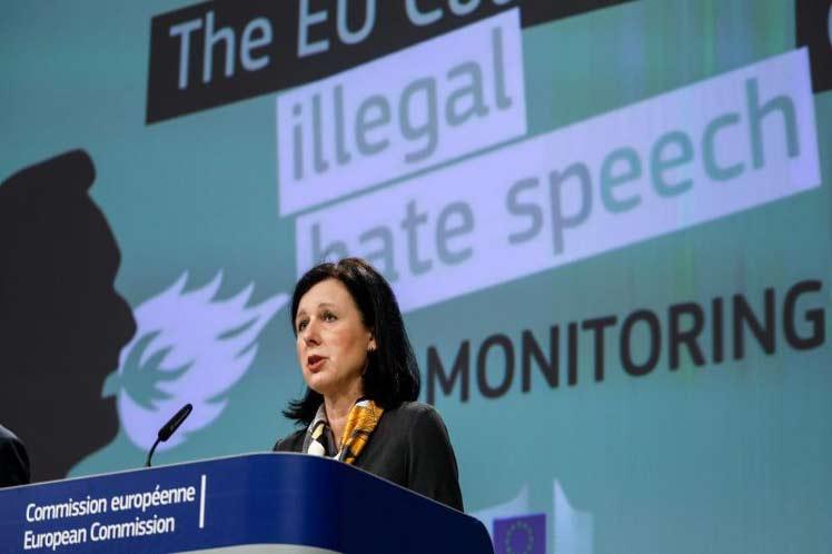 Unión Europea inicia normativa para regular uso de datos personales de usuarios