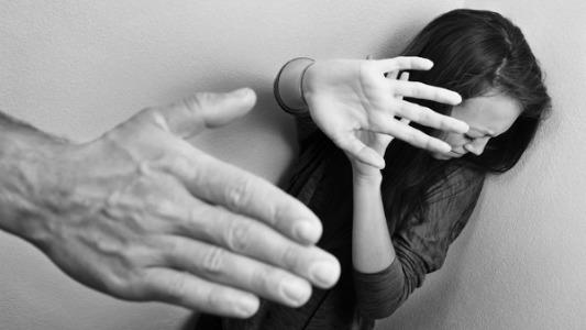 El Salvador aprueba estrategia de prevención de femicidios y violencia de género