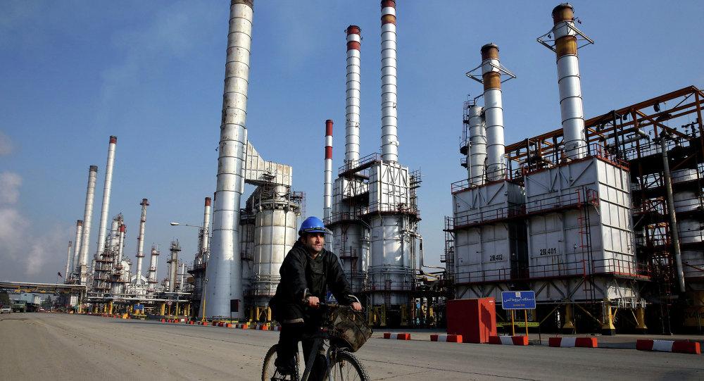 Irán mantiene exportaciones de petróleo pese a sanciones