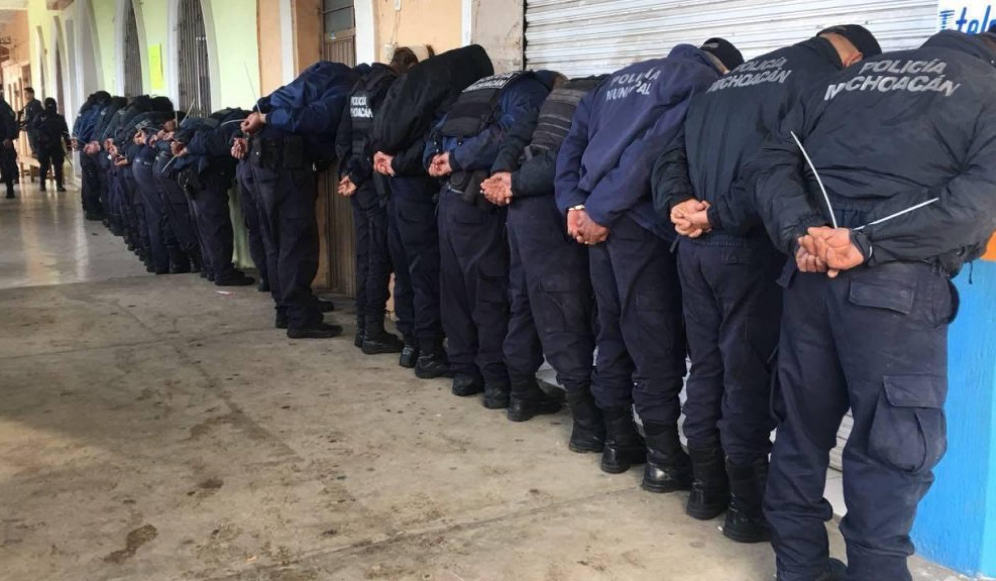 Detenidos 30 policías mexicanos por vinculación con asesinato de un candidato a alcalde