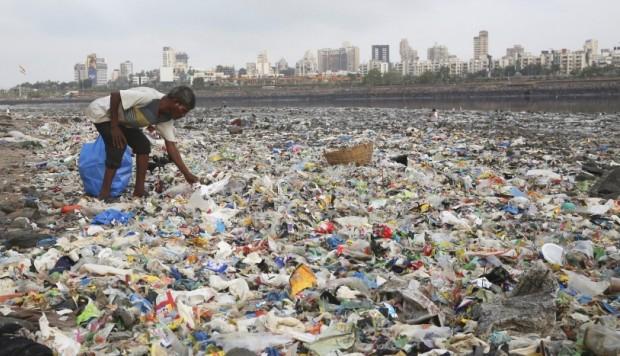 ONU: Plásticos en los océanos superan al número de estrellas en la galaxia
