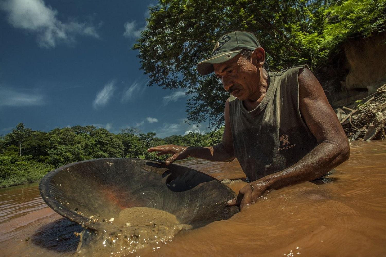 Prevén ingresos de $2.000 millones por actividad minera en Venezuela