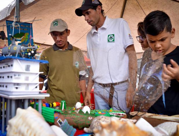 Venezuela: Inparques brinda orientación sobre reúso de materiales de reciclaje
