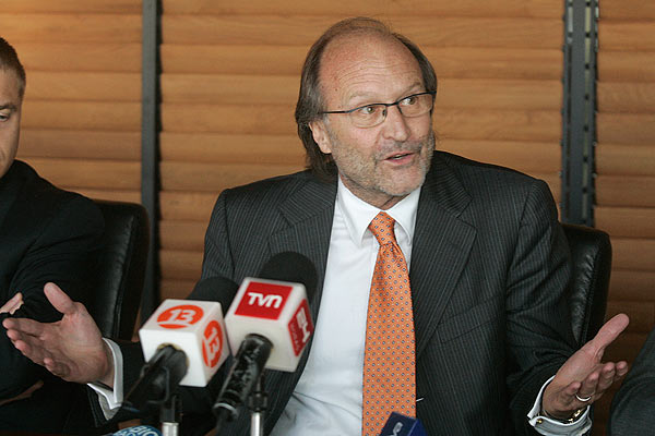 Toma en Derecho de la U. de Chile seguirá pese a renuncia de decano