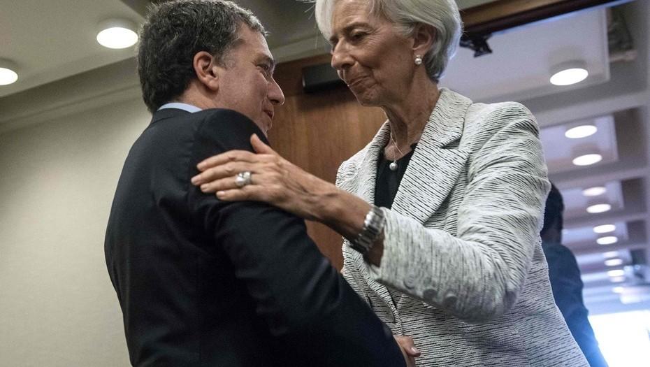 Se endeuda Argentina: recibirá 50 mil millones de dólares