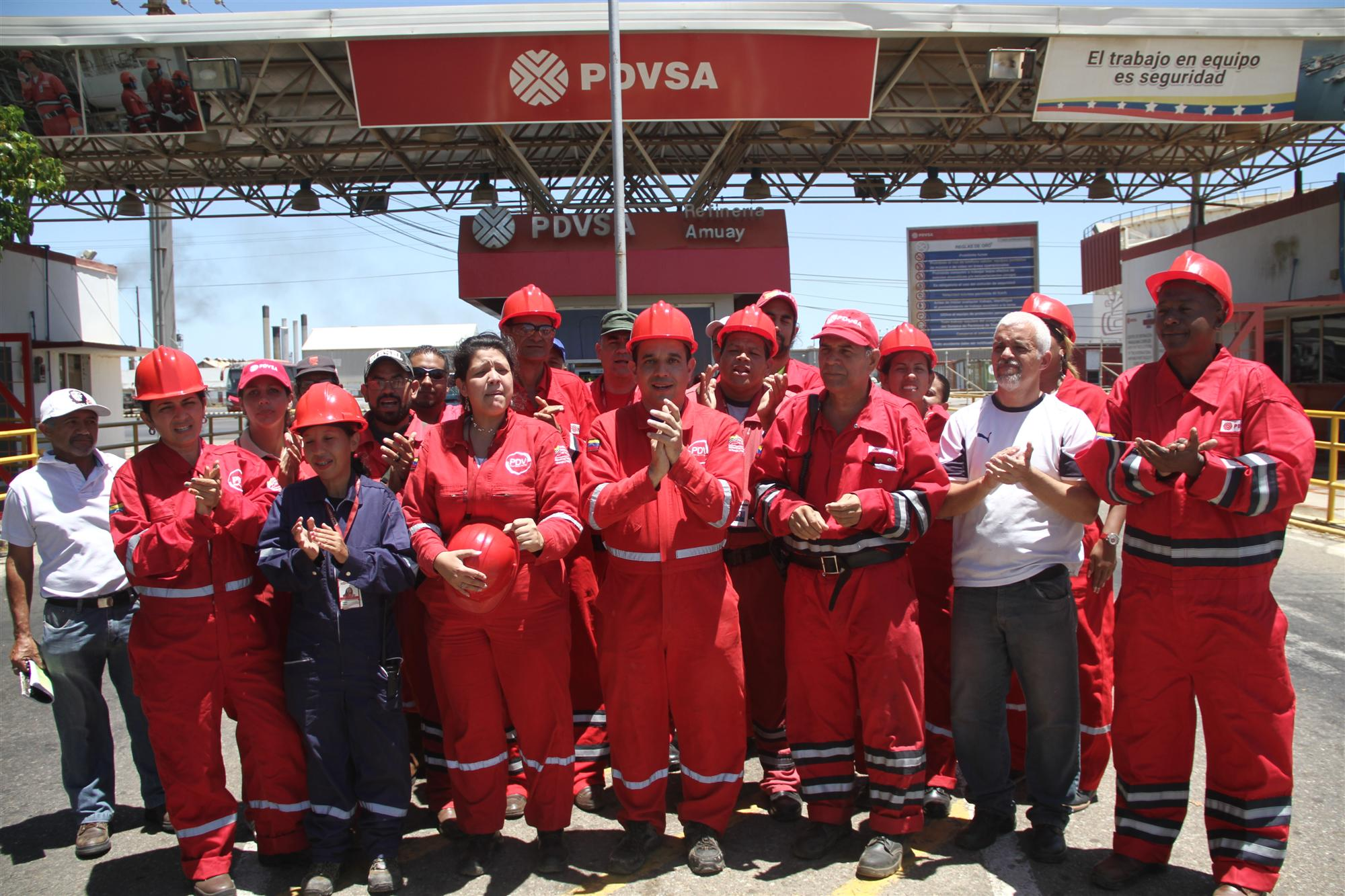 Trabajadores venezolanos protagonizan batalla productiva obrera en la Refinería de Paraguaná