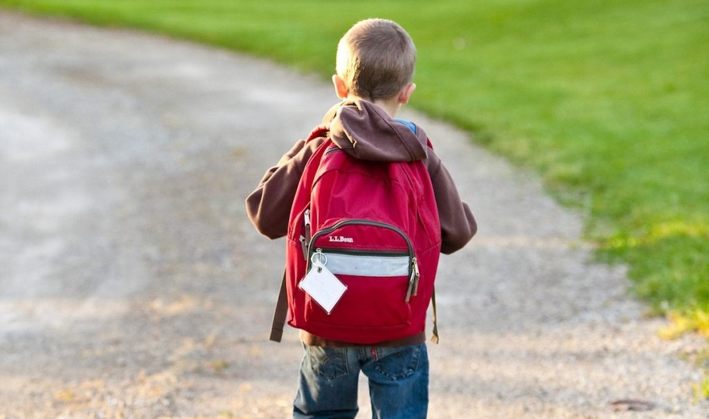Condenan por primera vez a colegio por discriminación contra niño con Síndrome de Down