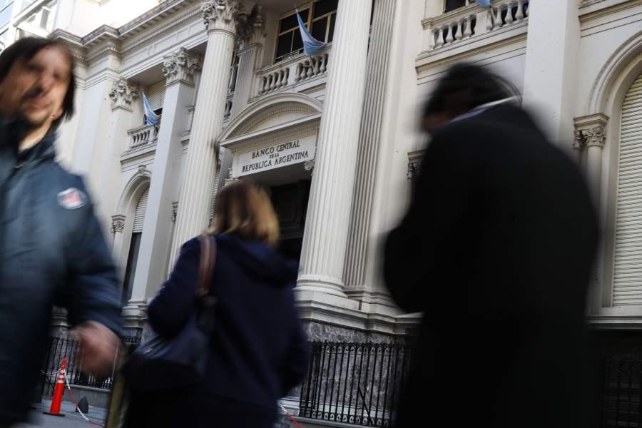 Estremecimiento de la economía Argentina pone en riesgo la nación