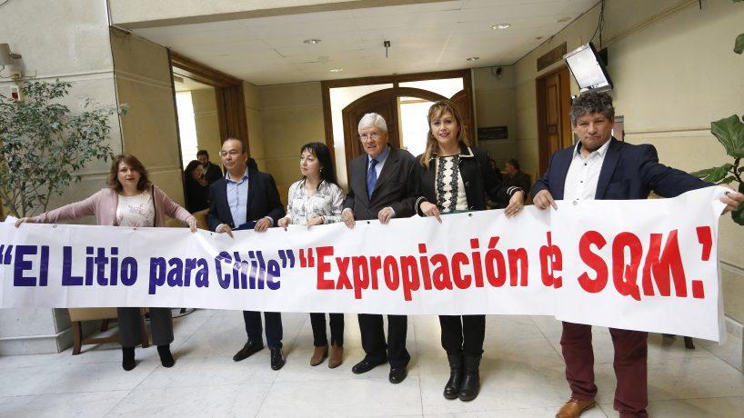 Diputados del PPD proponen expropiación de SQM