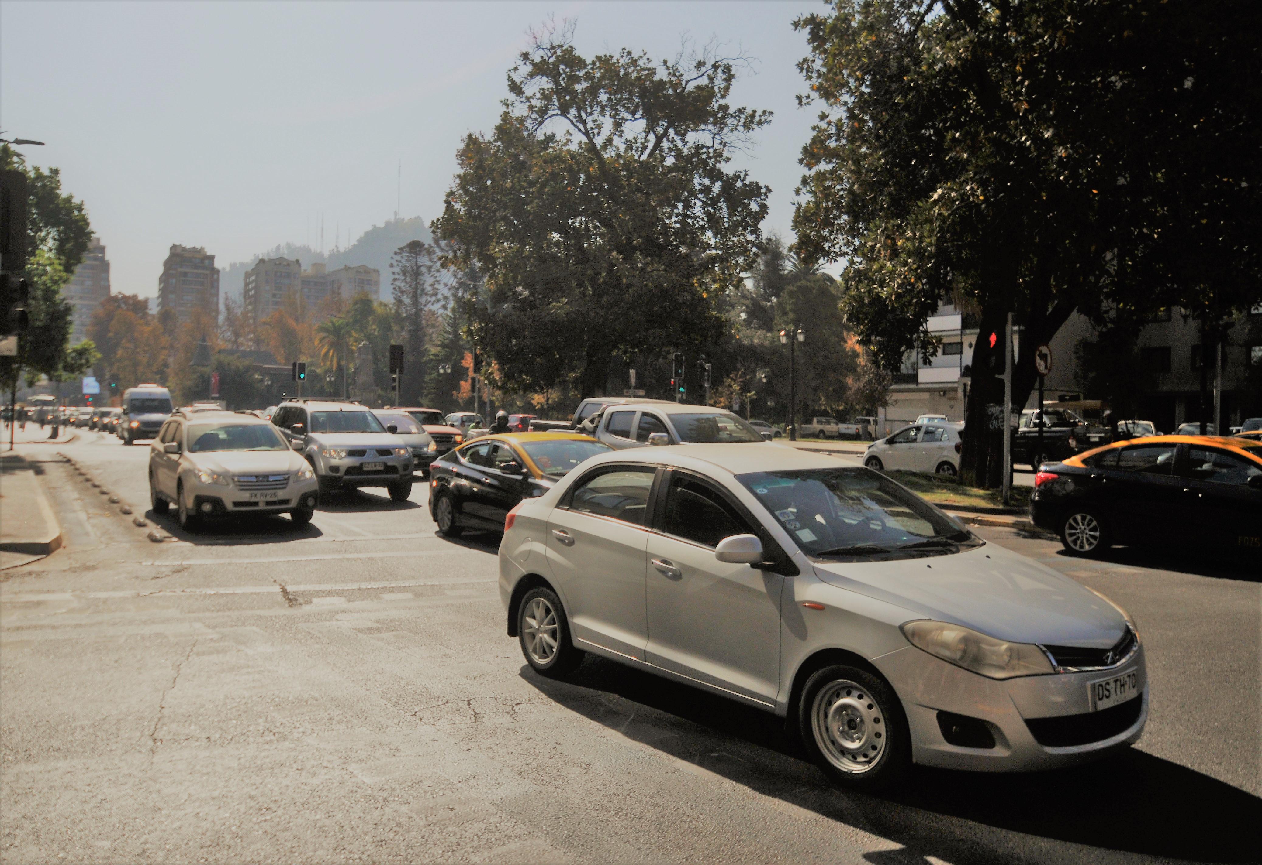 Avanza proyecto que rebaja a 50 km/h velocidad máxima en zonas urbanas
