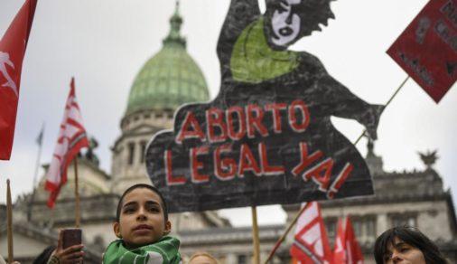 Argentina: activistas piden al Congreso debatir tema del aborto
