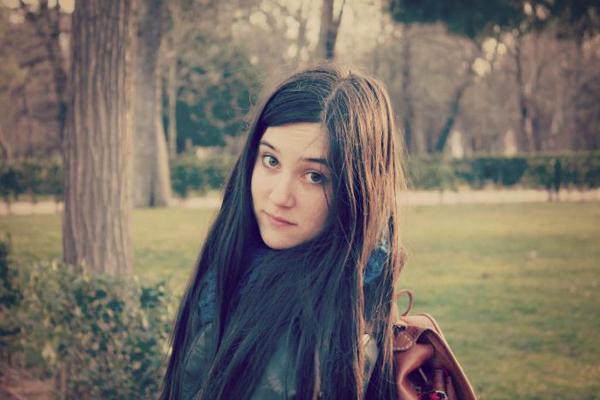 5 poemas de Andrea Valbuena