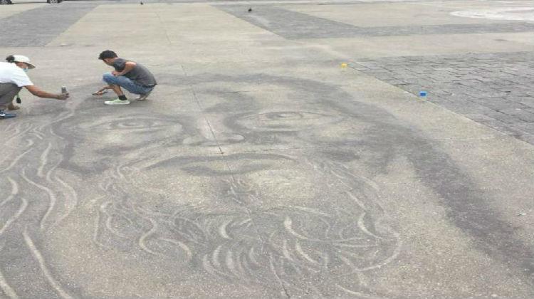 Con cenizas volcánicas artistas guatemaltecos rindieron tributo a las victimas