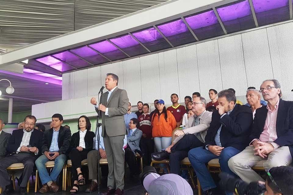 Henri Falcón «montó tienda aparte» con nueva coalición opositora