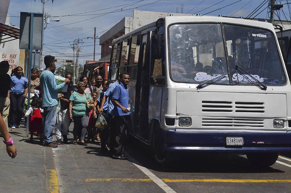 Usuarios del Transporte Público en Venezuela  están en desacuerdo con aumento arbitrario del pasaje