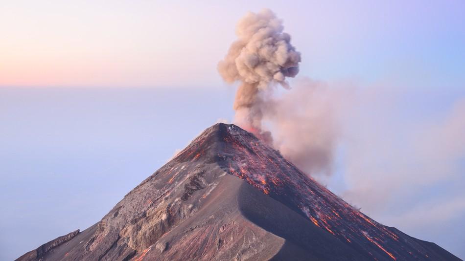 Dron capta erupción del Volcán de Fuego (+Video)