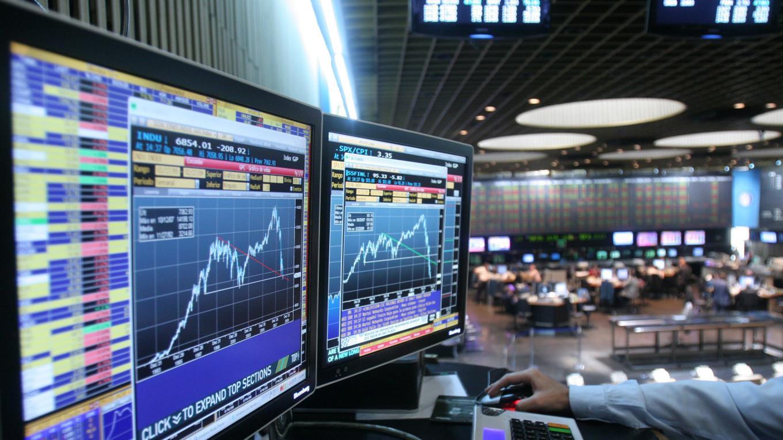 ¡Otro golpe a la economía! Bolsa de valores de Argentina registra severo desplome