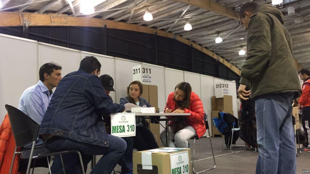 Colombianos en el extranjero  ejercen su derecho al voto en segunda vuelta