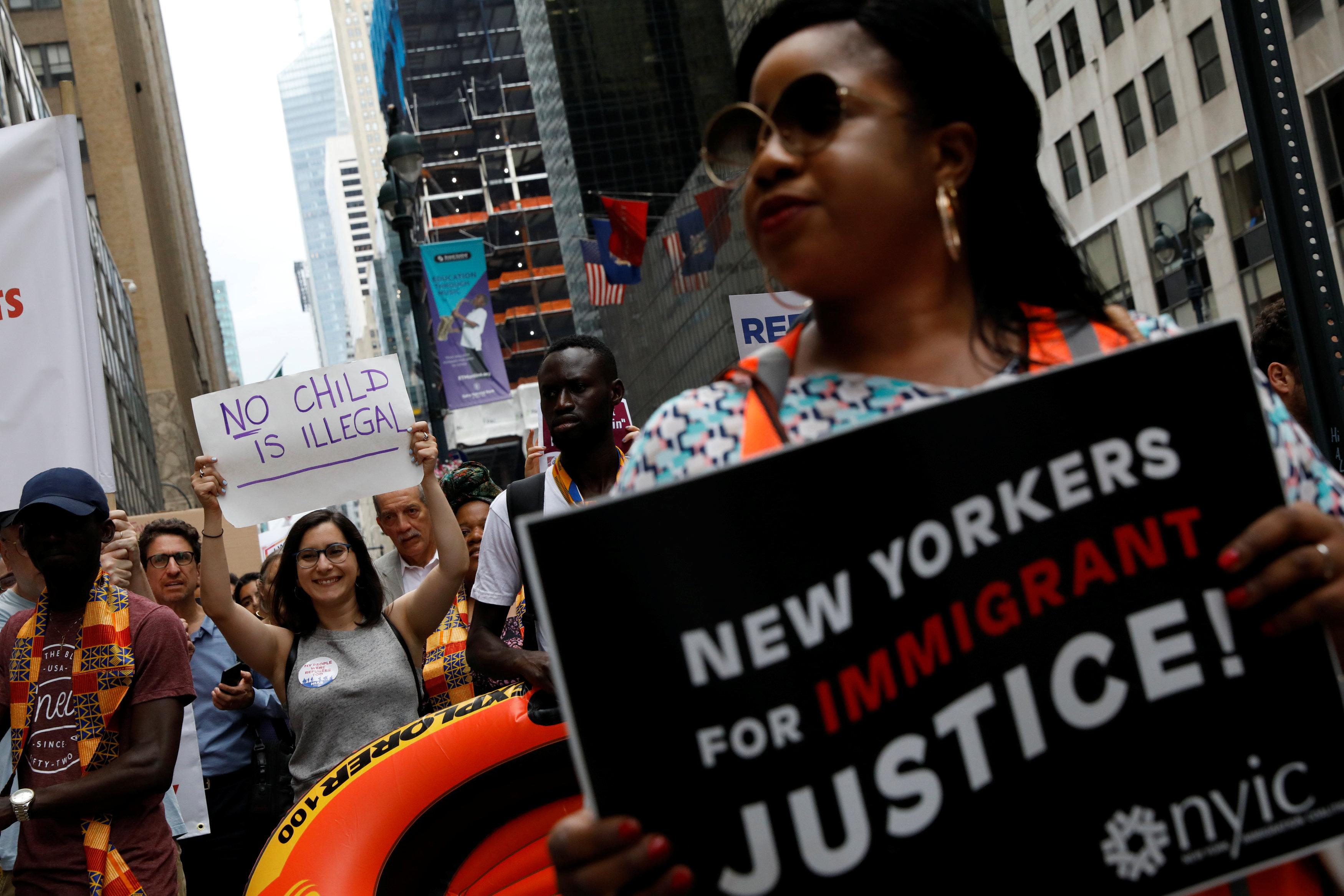 """Mayoría de los estadounidenses califican la inmigración como """"positiva"""""""