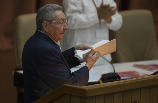 Raúl Castro preside comisión encargada de reformar la Constitución de Cuba