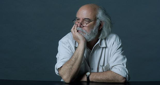 Juan Sasturain, escritor argentino: «La escritura es un cóctel que no siempre tiene la misma composición»