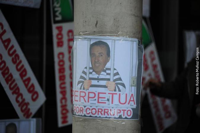 Movimiento Litio para Chile realiza clausura y expropiación simbólica de SQM por casos de corrupción