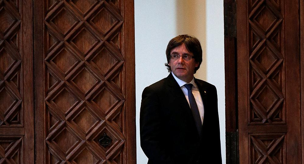 Europa suspende órdenes internacionales de captura contra Puigdemont y diputados
