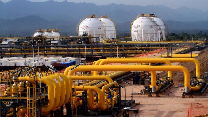 Argentina debe 255 millones de dólares a Bolivia por compra de gas