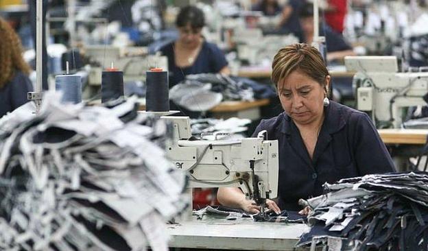 La mitad de los trabajadores en Chile gana menos de $380 mil mensuales