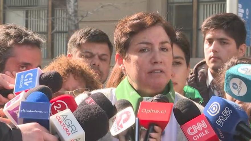 Frente Amplio emplaza a Piñera a condenar ataque contra mujeres en marcha por el aborto
