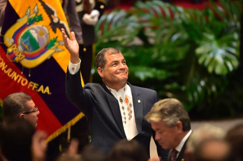 Conozca cómo se ejecuta la persecución judicial contra Rafael Correa