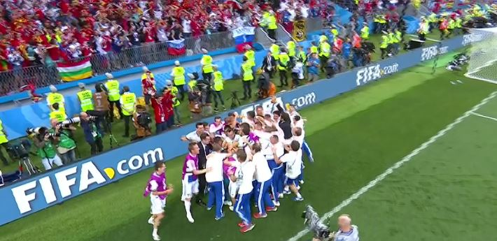 Paradón de Igor Akinfeev da triunfo a Rusia ante España