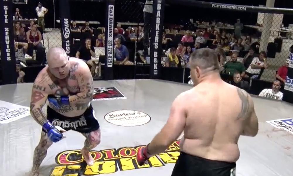 (+Vídeo) Luchador finge infarto para intentar noquear a su oponente