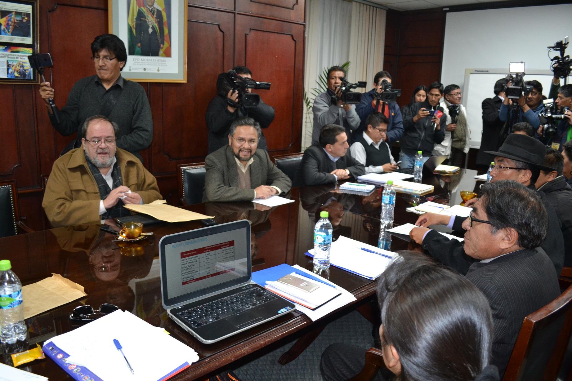 Evo Morales sugiere refundar a la Universidad de El Alto