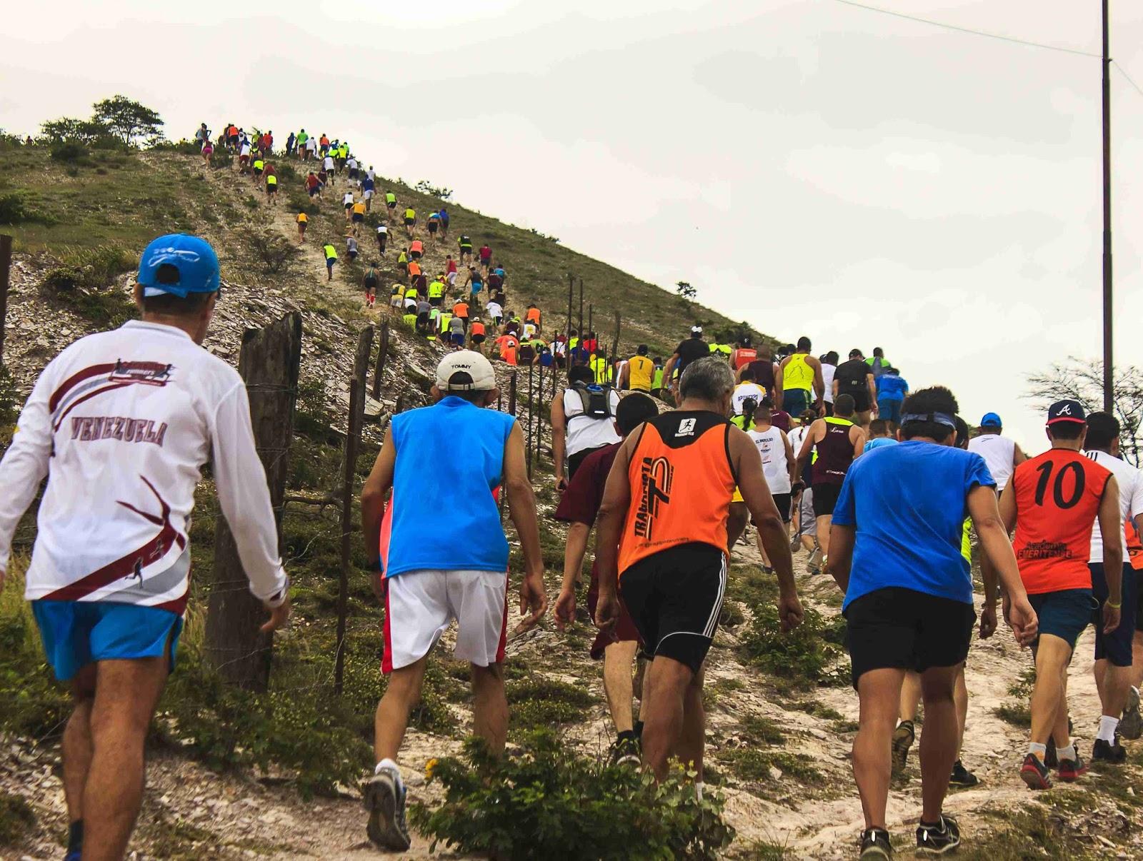 La «carrera del chivo», peculiar maratón que recorre carreteras y montañas de Venezuela (+Video)