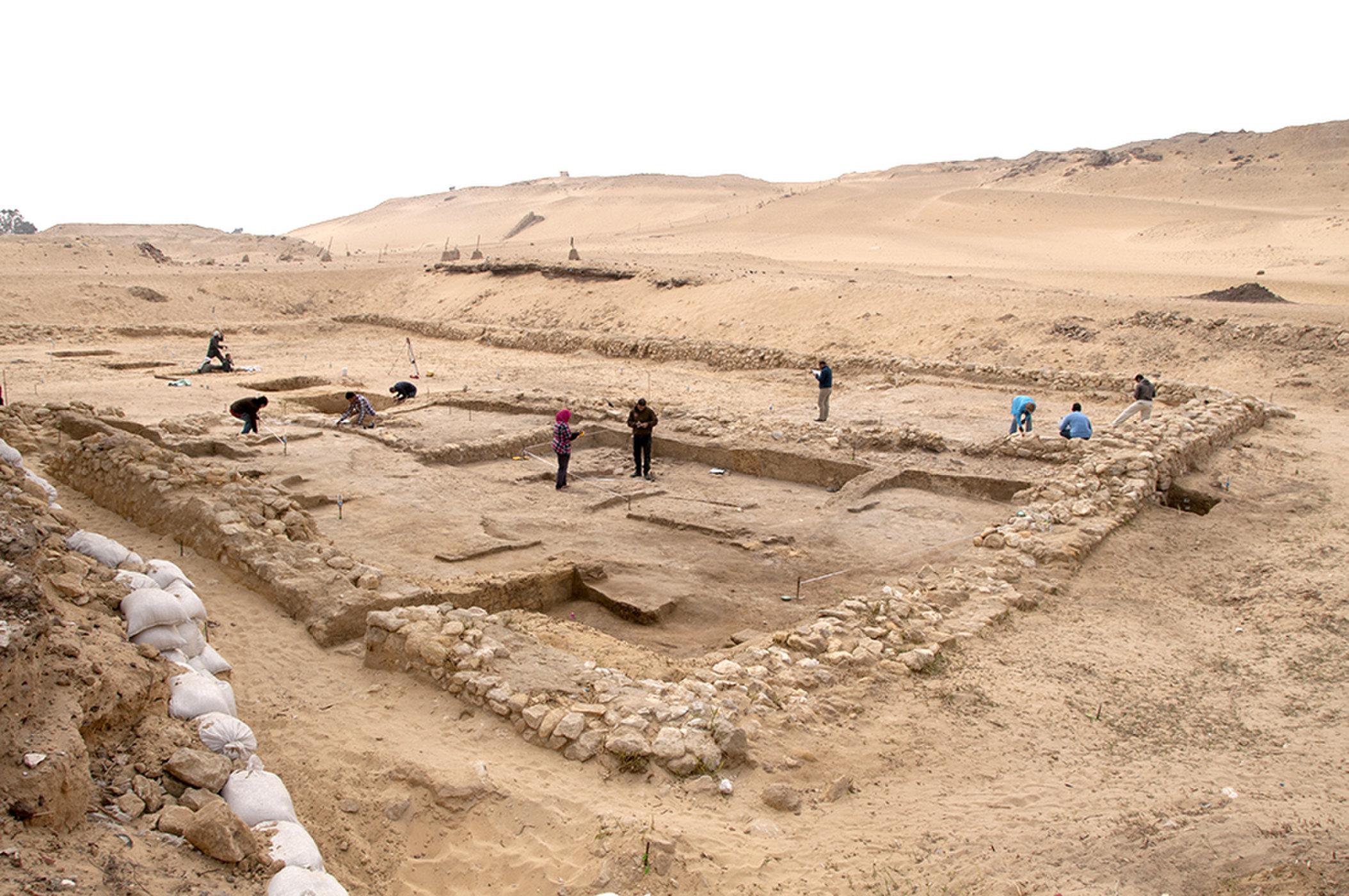 Se encontraron dos casas de 4.500 años de antigüedad cerca de las pirámides en Egipto