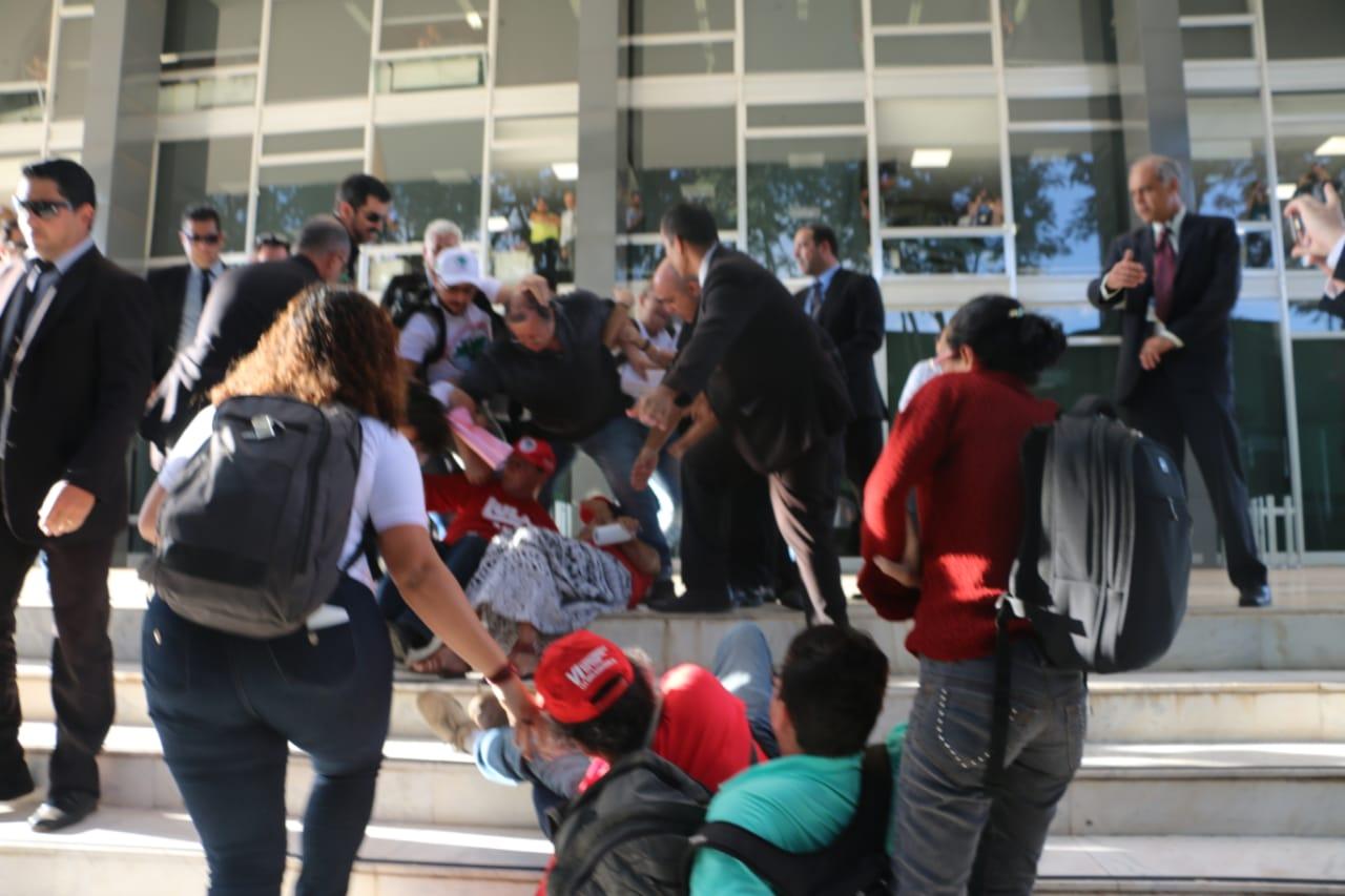 Activistas sociales y campesinos inician huelga de hambre en apoyo a Lula